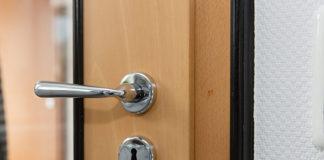 Komfort we własnym domu - z drzwiami akustycznymi to możliwe