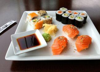 Jemy sushi
